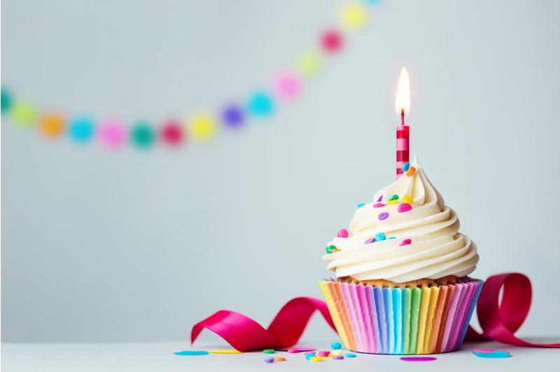 Cupcake recepten kunnen enorm variëren. Als het aanbod toch zo groot is, waarom dan niet voor verschillende aangelegenheden een andere cupcake? Wij hebben een overzicht voor je gemaakt met de lekkerste cupcake recepten! Van welke word jij enthousiast?