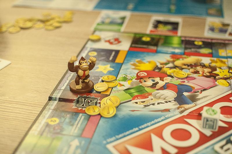 Monopoly Gamer is een nieuwe versie van Monopoly waarvan mijn Nintendo hart toch echt sneller ging kloppen. We probeerden dit leuke spel met Super Mario uit