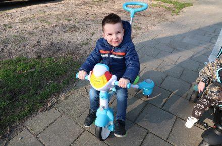 VTech Super Trike 4 in 1 is een interactieve driewieler voor kinderen van 9 maanden tot 6 jaar. Een interactieve fiets die langere tijd te gebruiken is, waardoor je niet ieder jaar een nieuw (passend) fietsje nodig hebt.