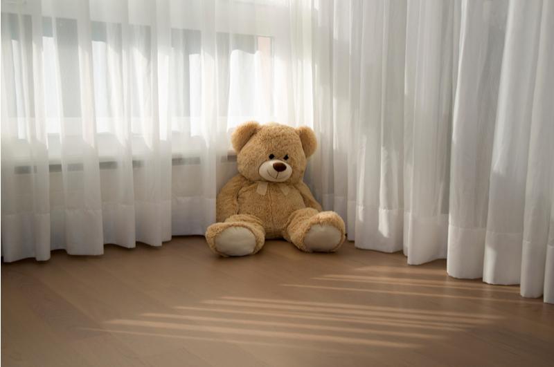 Gordijn Babykamer Babykamers : Ramen verduisteren babykamer van gordijnen tot raamdecoratie