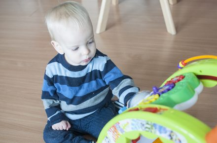 babywalker met activitentenpaneel little tikes light 'n go