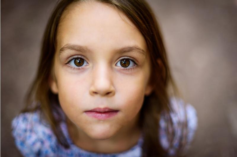 Oogcontact met een kind hebben is belangrijk om verschillende redenen. Wij lichten de belangrijkste redenen voor je uit. Maak jij goed oogcontact?