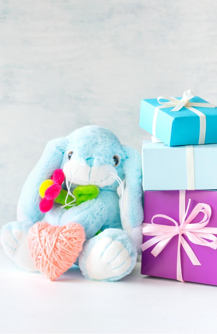 Ga je op kraambezoek en ben je op zoek naar een origineel kraamcadeau? Je vindt hier kleine cadeautjes, zelfgemaakte cadeaus en praktische cadeaus
