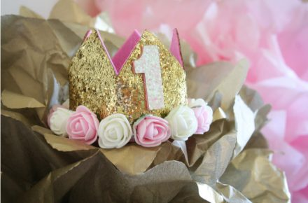 Een verjaardagskroon hoort erbij als je jarig bent. Ik heb de leukste kronen voor je opgezocht en ze onder elkaar gezet. Welke is jouw favoriet?