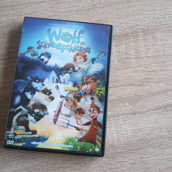 Een wolf in schaapskleren is een heerlijke feel good film om op zondagmiddag samen met de kinderen te kijken. En ik geef 2 exemplaren van de dvd weg!