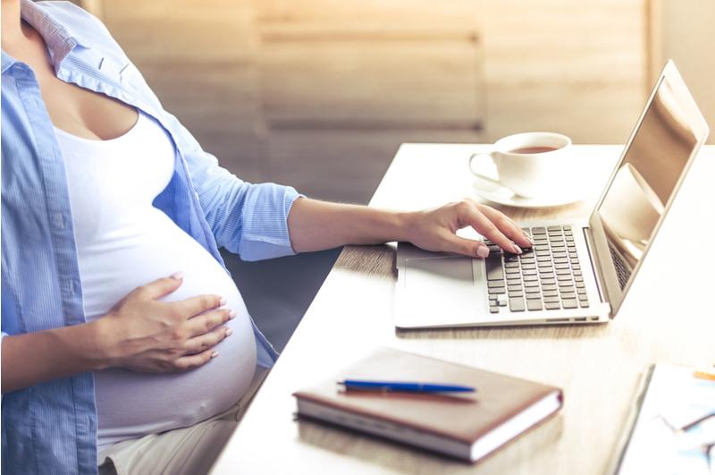 Sollicitatietips voor moeders. Met deze tips voor het sollicitatiegesprek kom je als moeder heel snel weer aan het werk. Ook als je er al even uit bent.